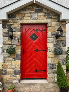 OBSESSED with this cute red door on the stone porch! Such a great idea or your cottage build/renovation! Limestone Paving, Stone Porches, Cottage Renovation, Stone Veneer, Natural Stones, Building, Projects, Red, Inspiration