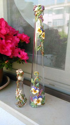 These mauve flask crafts provide a bunch of ways to reuse and reinvent this daily item, Will you prefer to recycle personal grape container or repurpose it? Wine Bottle Candles, Recycled Glass Bottles, Glass Bottle Crafts, Wine Bottle Art, Diy Bottle, Bottles And Jars, Bottle Vase, Liquor Bottles, Plastic Bottles