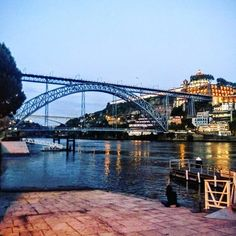 #ponteluisi #domluisi #ponte #bridge #evening #caisderibeira #porto #portugal #portugals #europe #holiday #girlsholiday #dinner #lights #river #riverdouro #Douro #riverside #beautiful #travel #vacation #traveldeeper #passionpassport #mytinyatlas by hattygrant