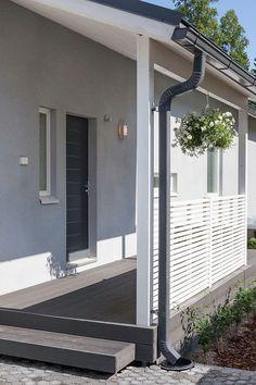 Valhalla-kohteen julkisivu maalattiin Finngard-levyrappausjärjestelmällä kauniin harmaaksi: päällimmäinen pinnoite Finngard Silikonihartsipinnoite, harmaa värisävy TVT 4987. #asuntomessut #tikkurila #asuntomessut2015 #talo #colors #facade: