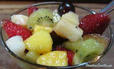 Receta de Ensalada de frutas navideña - Fácil - 7 pasos