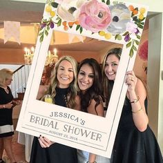 Love this photo cut out. Who's having their bridal shower this weekend? #2benot2be #wedding #weekend #bridalshower #bridesmaid #bride http://gelinshop.com/ipost/1521130796949692022/?code=BUcJGaJF952