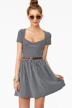 simple but cute and it's cool how the stripes in different angles create kind of an optical illusion