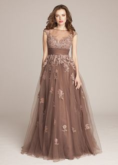 Tulle & Lace Empire-Gown