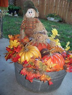 45 Cheap Diy Fall Outdoor Decor Ideas To Your Inspire decoration Garden Tub Decorating, Autumn Decorating, Porch Decorating, Decorating Ideas, Decor Ideas, Fall Yard Decor, Fall Planters, Outdoor Planters, Garden Planters