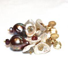 Mauve Pearl Earrings Purple Pearl Earrings Baroque by FizzCandy