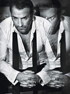 Black & white man portrait Jean Dujardin
