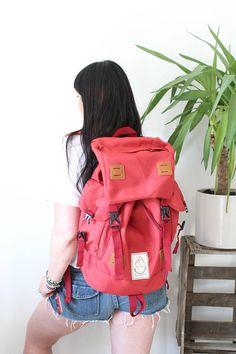 Junkbox 'ATB' UNISEX explorer backpack in Red