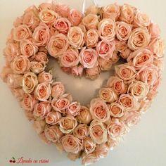 #heart  #inima #cadou #sayitwithflowers #madewithjoy #paulamoldovan #livadacuvisini #pink #romantic #colors #happyflorist #bucuresti #bucharest Flower Quotes, Bucharest, Floral Wreath, Romantic, Wreaths, Heart, Pink, Decor, Floral Crown
