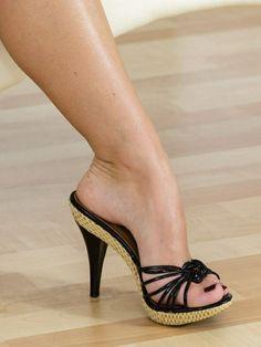 Solve High Heels_KH jigsaw puzzle online with 63 pieces Sexy High Heels, Sexy Legs And Heels, Hot Heels, Sexy Zehen, Gorgeous Feet, Sexy Toes, Women's Feet, High Heel Boots, Stiletto Heels