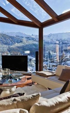 loose the TV and I'm there... Chalet in the Alps