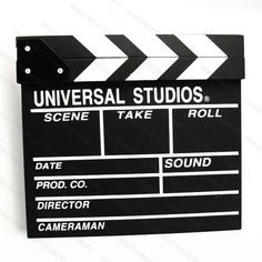 Claquete em Madeira Universal Studios - LojaTip - Feita em madeira, pode escrever com giz - A30 x L27 x P2 - R$ 47,41
