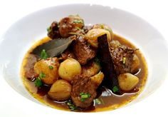 Beef Stifado - the famous Greek beef casserole. Traditional Greek recipe for beef stifado deliciously rich (beef casserole or beef stew). Greek Beef Stew Recipe, Greek Recipes, Soup Recipes, Beef Stifado, Stewing Steak, Slow Cooker Recipes, Cooking Recipes, Slow Cooking, Greek Dishes