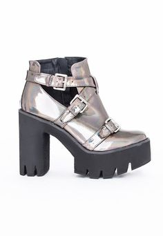 These buckle detail boots are totally rocking our world this season here at #Missguided. We have fallen head over heels for these babies! The #holographic shoe is the epitome of the season, rocking a sporty, androgynous look that we are all dying to get our hands on!