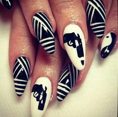 black and white stilletto nailart