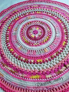 Mandala crochet pink