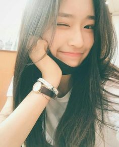 Find images and videos about girl and ulzzang on We Heart It - the app to get lost in what you love. Ulzzang Girl Selca, Ulzzang Korean Girl, Cute Korean Girl, Ulzzang Couple, Korean Beauty, Asian Beauty, Uzzlang Girl, Ulzzang Fashion, Asia Girl