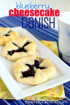 Blueberry Cheesecake Danish - easy three ingredient breakfast danishes #blueberry #pillsbury @brucrewlife