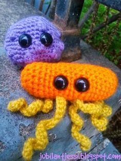 Jubilant Jessi: crocheted Rhinovirus (common cold) and E. coli (bacteria) #sciencerocks #microbes #jubilantjessi