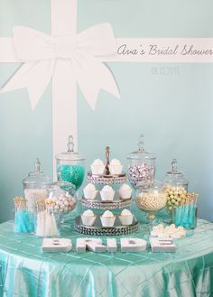 Trend Alert: Personalized Backdrops // Hostess with the Mostess®