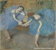 Edgar DegasDeux danseuses au reposvers 1898pastel sur papier beige et châssis entoiléH. 92,0 ; L. 103,0musée d'Orsay, Paris, France