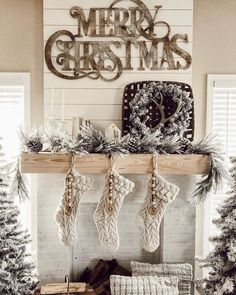 33 Popular Christmas Fireplace Mantel Decorations That You Like – Farmhouse Fireplace Mantels Farmhouse Christmas Decor, Cozy Christmas, Country Christmas, Winter Wonderland Christmas, Christmas Travel, Christmas Nativity, Christmas Quotes, Christmas Projects, Christmas Stockings