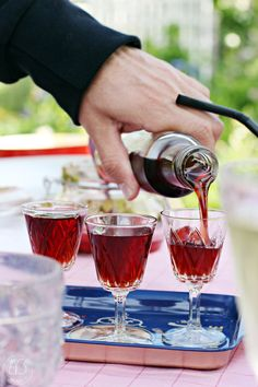 Oravanpesä   Oravankesäpesän luumulikööri Red Wine, Alcoholic Drinks, Glass, Food, Alcoholic Beverages, Drinkware, Red Wines, Hoods, Meals