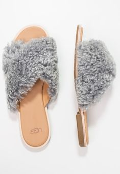 UGG JONI - Pantolette flach - light grey - Zalando.at School Outfits, Uggs, Grey, Clothes, Fashion, Gray, Outfits, Moda, Clothing