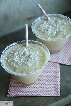 Frozen Banana Coconut Daquiri 1 banana 4oz rum 1/2 cup coconut milk 2 tbsp orange juice 2/3 cup ice cubes