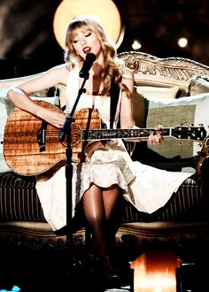 """""""Cause when your fifteen and somebody tells you they love you, you gotta believe them."""" #Fifteen #SpeakNowWorldTour"""