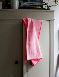 Order your Tea Towel Set of An original design by Scholten & Baijings, this set of cotton tea towels is manufactured by HAY. Dish Towels, Tea Towels, Linen Towels, Contemporary Cushions, Sink Accessories, Fluorescent Colors, Floor Seating, Nordic Design, Cushions On Sofa
