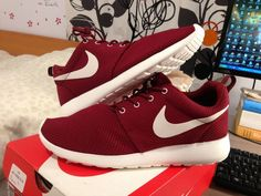 Nike Roshe Courir Équipe Rouge Uknown