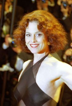 40 years ago the 'Sci Fi Queen' Sigourney Weaver emerged and so did her 'Alien' - Houston Chronicle Beautiful Celebrities, Beautiful Actresses, Beautiful Women, Foto Glamour, Space Girl, Sexy Older Women, Portrait, Sensual, American Actress