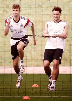 Thomas Müller and Mats Hummels training in Brazil