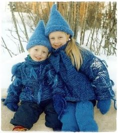 Oppskrift på tovete votter har vært en gjenganger i julekalenderene jeg har hatt. Da jeg la ut bilde av små hjertevotter for litt siden, fi... Diy And Crafts, Crochet Hats, Google Search, Creative
