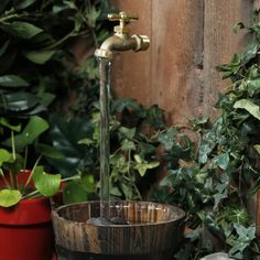DIY Magic Faucet Fountain - just floats in mid air, no hoses & pipes. DIY Magic Faucet Fountain - just floats in mid air, no hoses & pipes. Garden Yard Ideas, Diy Garden Decor, Garden Projects, Garden Art, Garden Design, Outdoor Garden Decor, Indoor Garden, Outdoor Gardens, Diy Water Fountain