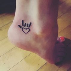 sign language tattoo on pinterest asl tattoo tattoos and body art and first tattoo. Black Bedroom Furniture Sets. Home Design Ideas