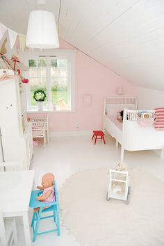 the boo and the boy: girls' rooms. sweet and simple