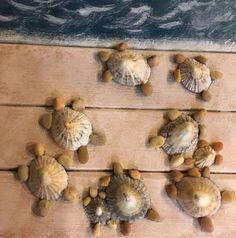 Shells I gathered in Ireland, Pebbles I gathered in Ohio - basteln mit Steinen - amazing craft Seashell Art, Seashell Crafts, Crafts With Seashells, Sea Crafts, Nature Crafts, Baby Crafts, Stone Crafts, Rock Crafts, Seashell Projects