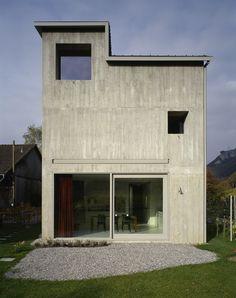 Bearth & Deplazes /// Wohnhaus Meuli /// Fläsch, CH /// 2001 /// integration in traditional context