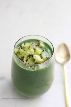 spirulina green smoothie recipe. Omit banana for Candida diet and replace with either green apple strawberries or blueberries
