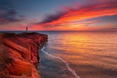 Sunset at Borgot Lighthouse, Magdalen Islands, Province of Quebec, Canada. Photo by Mathieu Dupuis Beautiful Sunset, Beautiful Places, Beautiful Pictures, Beautiful Scenery, Sunrise Pictures, Voyager Loin, O Canada, Quebec City, Vacation Trips