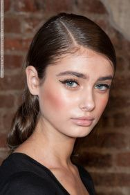 Taylor Hill and how to create her sleek side part pony perfect for spring/summer http://maneaddicts.com/2015/03/23/mane-muse-taylor-hill/