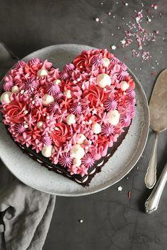 Valentine Desserts, Valentines Baking, Valentines Day Chocolates, Valentines Day Cakes, Valentine Chocolate, Chocolate Hearts, Chocolate Cake, Heart Cake Design, Heart Cakes