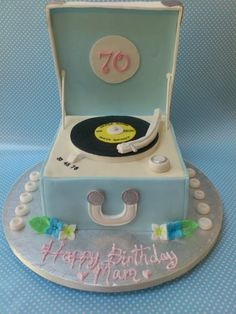 Retro Record Player Cake