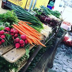 Loving the colours on this drizzly winters morning. Colours, Vegetables, Instagram Posts, Food, Essen, Vegetable Recipes, Meals, Yemek, Veggies