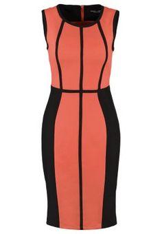 Abito bi-color per snellire i fianchi e modellare tutto il corpo  Bi-color dress to slim up hips and shape the intire body