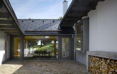 rekonštrukcia starých domov pred a po - Hľadať Googlom Bratislava, Arches, Garage Doors, Architekti, Outdoor Decor, Home Decor, Decoration Home, Room Decor, Arch