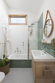 Simplicity often produces best results in the world of interior design and this holds true while planning for a smart rear extension as well. Bathroom Design Small, Bathroom Interior Design, Decor Interior Design, Interior Decorating, Modern Bathroom, Wooden Vanity, Upstairs Bathrooms, Small Bathrooms, White Bathrooms