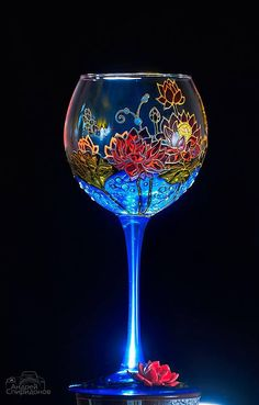 Hand painted wine glass is a gergous gift for your Mom, Godmother, mother-in-law or your beloved woman! This listing is for 1 lotus wine glass and you can order any number you want Measurements: About 360 ml / 12 oz Height 20 cm / 7,8 inch Please contact me for any additional